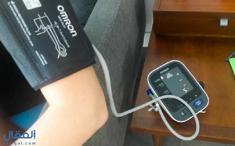 أفضل 7 أجهزة قياس ضغط الدم الأجهزة والمميزات والعيوب والأسعار