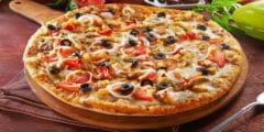 طريقة عمل بيتزا كيتو بوصفتين شهيتين