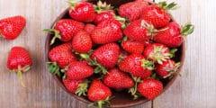 الفراولة فاكهة تحتوى على العديد من الفوائد الصحية