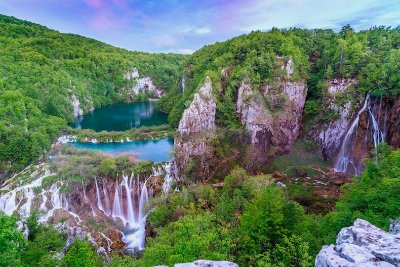 حديقة بحيرات بليتفيتش من أماكن السياحة في كرواتيا