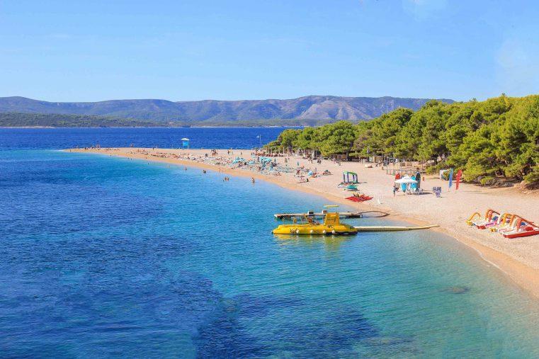 شاطئ زلاتني رات في كرواتيا