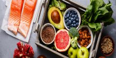 أهم العناصر الغذائية والمغذيات الأساسية التي يحتاجها الجسم ومصادرها الغذائية