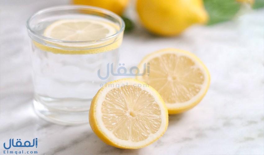 كيف يستفيد الجسم من شرب ماء الليمون يوميًا