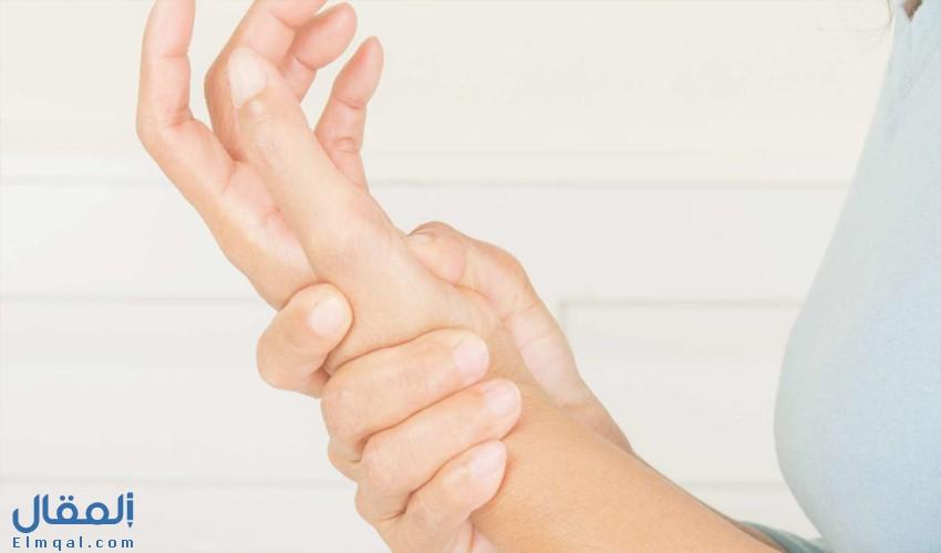 ما الأسباب التي تؤدي إلى ألم الإبهام؟ وطرق التشخيص والعلاج